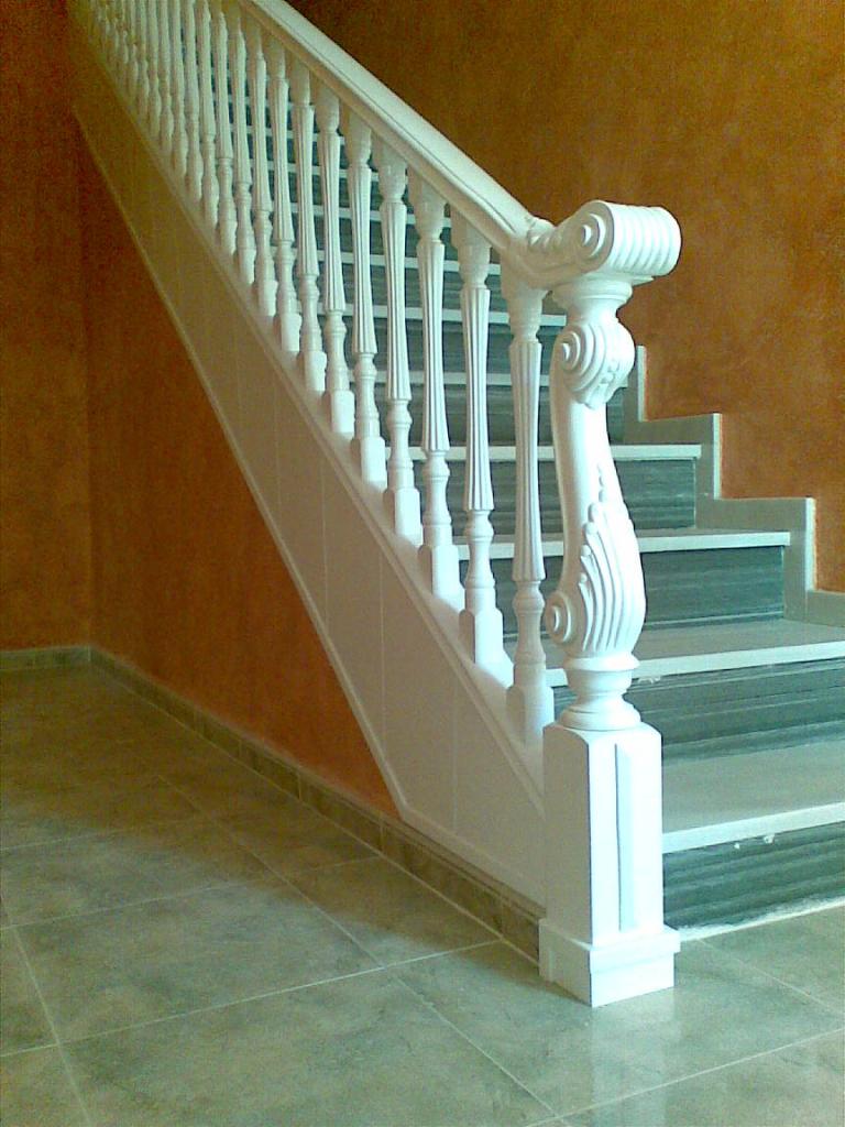 Barandas de madera fabricaci n de barandas y escaleras - Baranda de madera ...